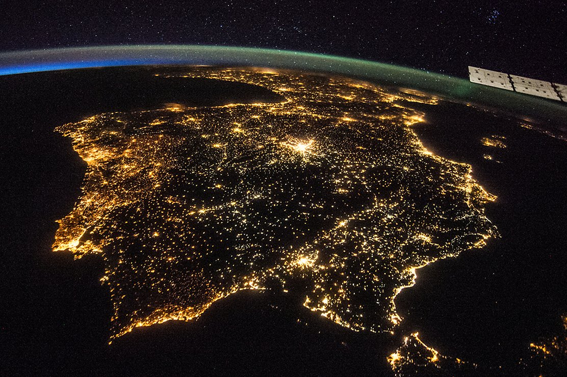 Artificially lit surfaces on earth increase more than 2 per year artificial lighting of the iberian peninsula seen from the international space station gumiabroncs Choice Image